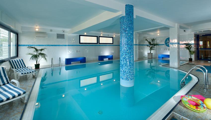 Hotel nord est cattolica 4 stelle con piscina vicino al - Cattolica hotel con piscina coperta ...
