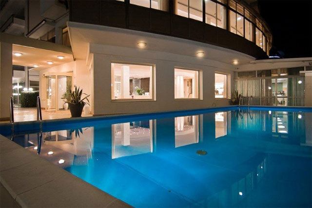 Hotel acapulco milano marittima sul mare e con piscina recensioneturismo - Hotel sul mare con piscina ...